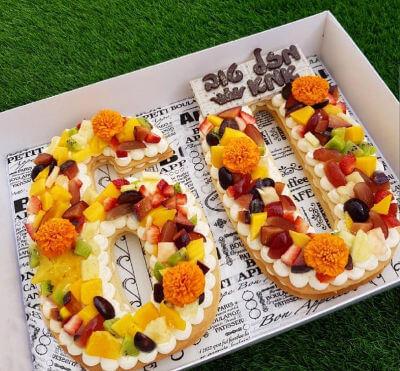 עוגת מספרים עם בצק פריך ופירות לגיל 60