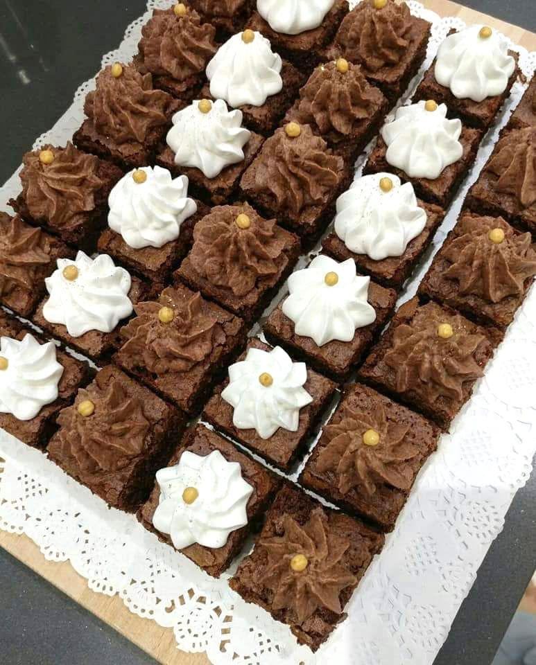 בראוניז קרם שוקולד פרלינה