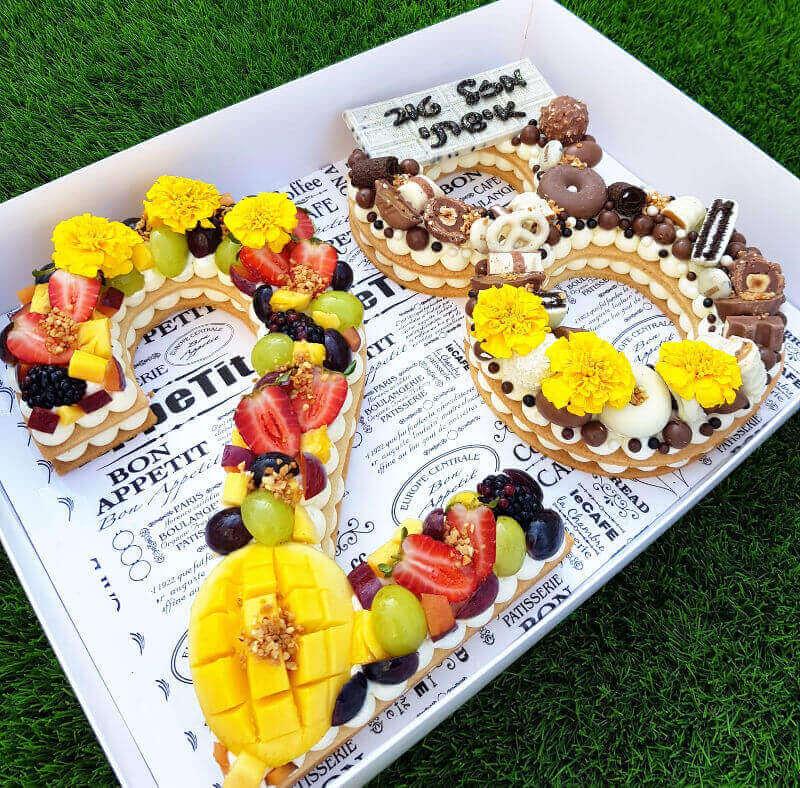 טארט בצק פריך קרם פירות ושוקולדים בצורת מספר