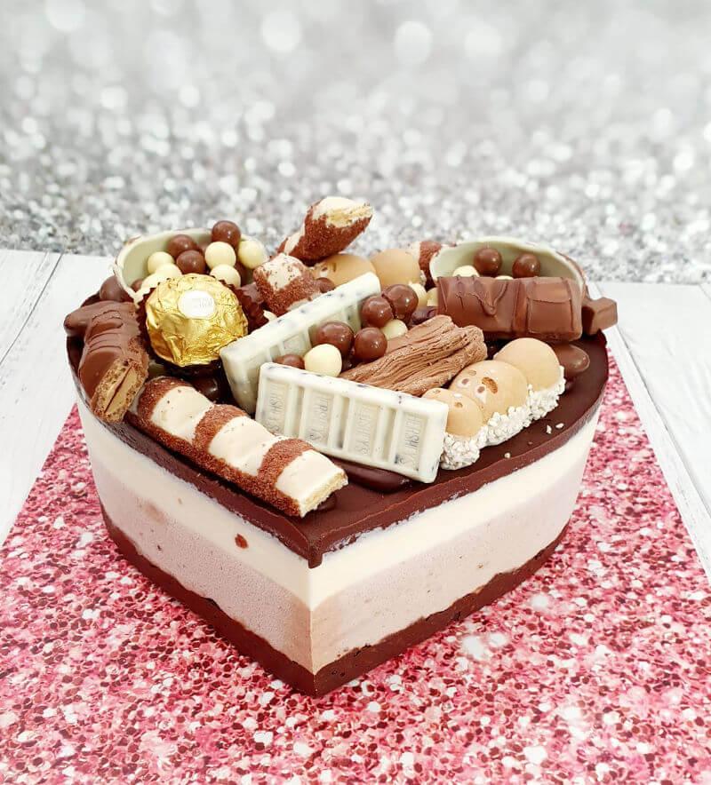 טריקולד בצורת לב עם ממתקים