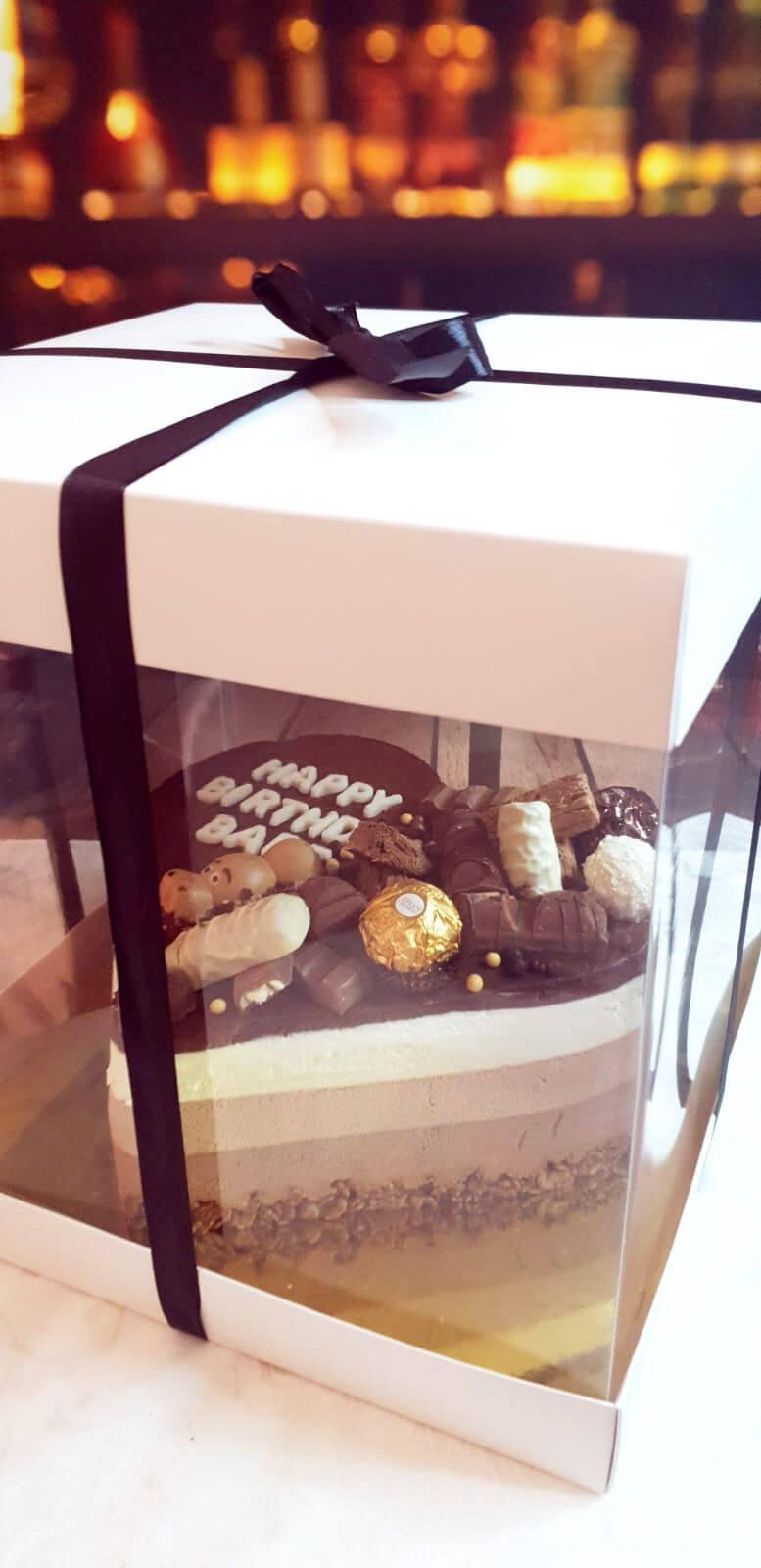 טריקולד ליום הולדת עם קופסה חגיגית