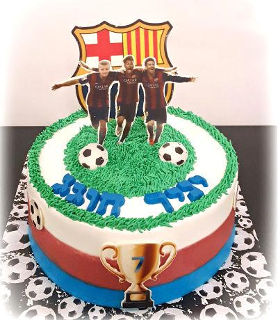 כדורגל ברצלונה עוגה מעוצבת