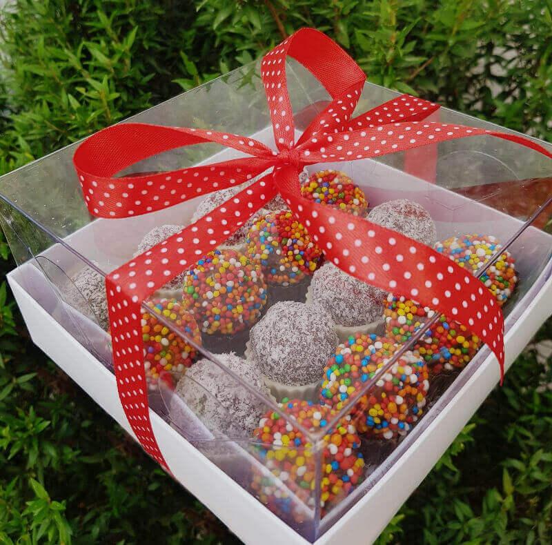 כדורי שוקולד וקוקוס
