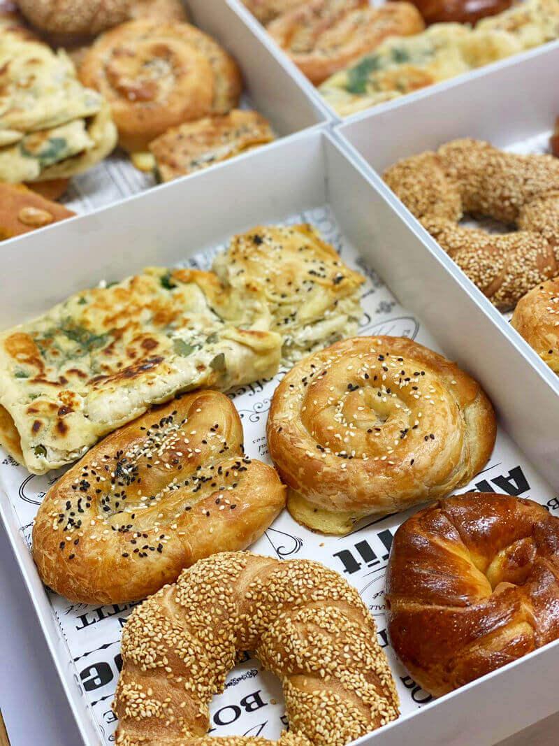 מארזי בוקר של מאפים טורקיים
