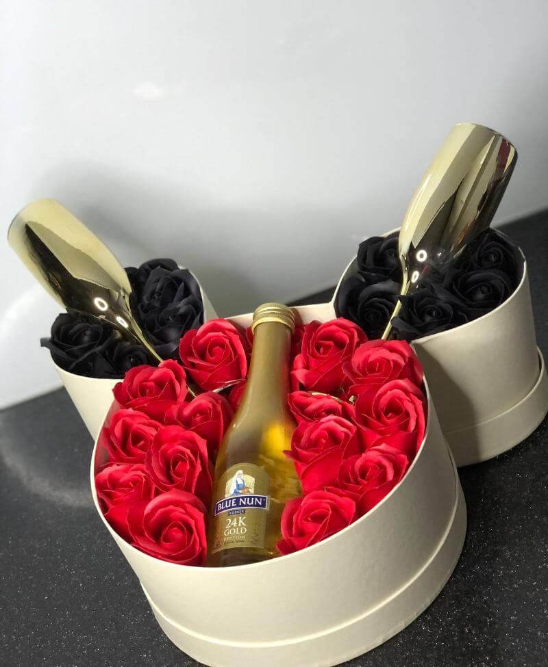 מארז יין ופרחים
