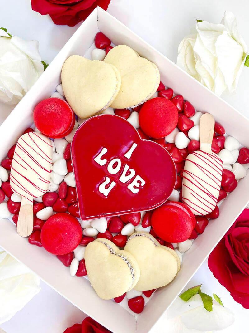 מארז מתוק עם משלוח ליום האהבה