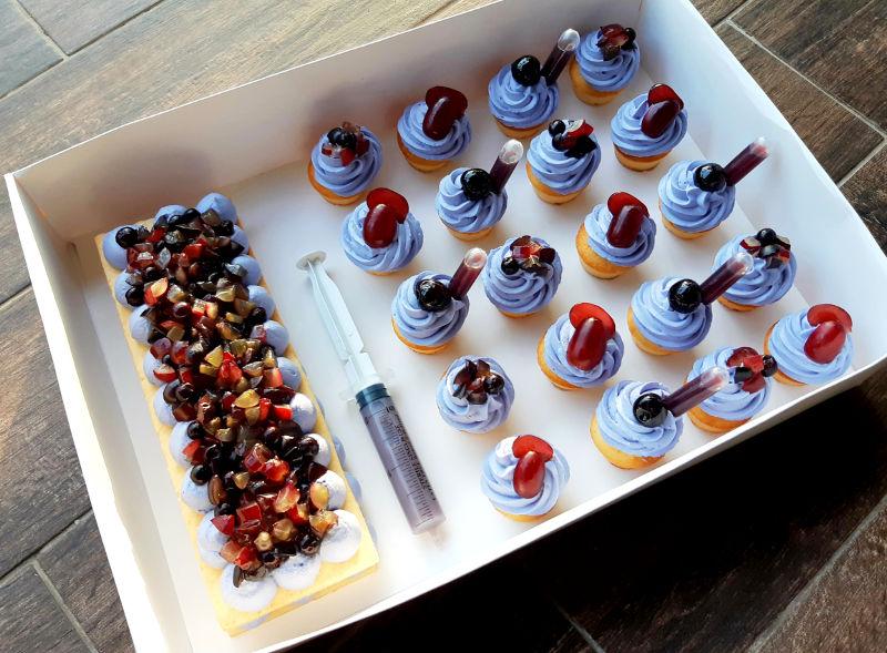 מארז עוגה וקאפקייקס