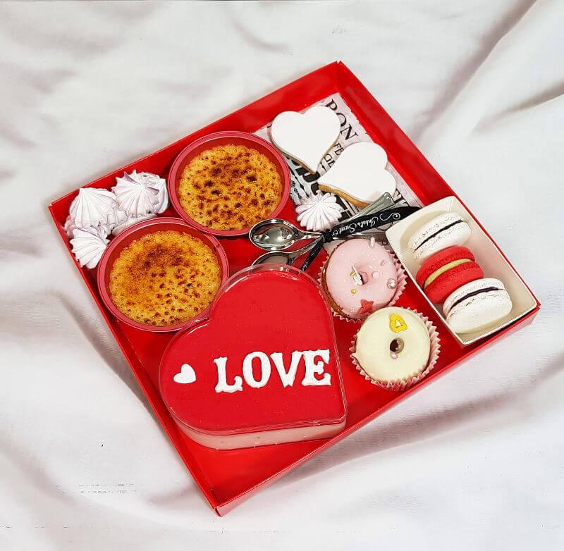 מארז קינוחים ליום האהבה