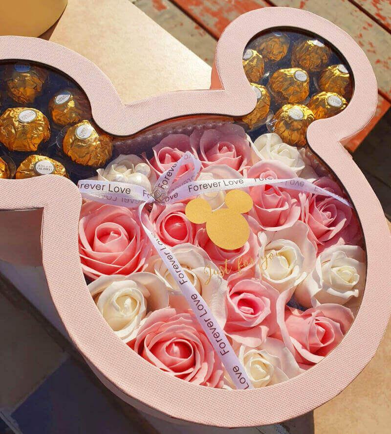 מארז שוקולדים ופרחים מיני מאוס