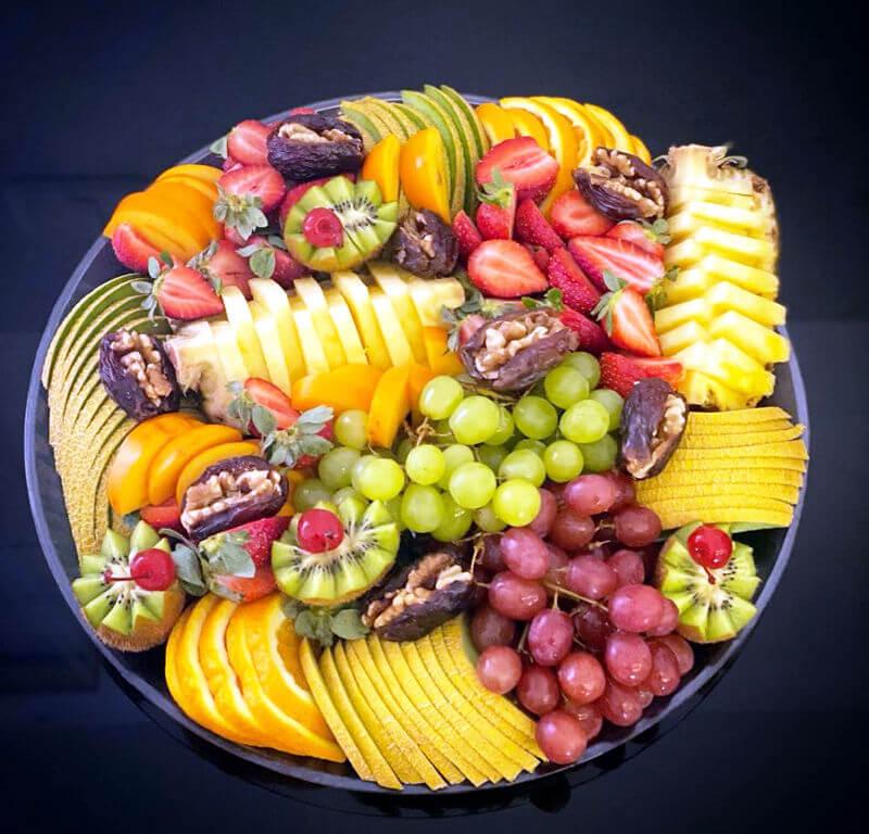 מגש פירות טרי