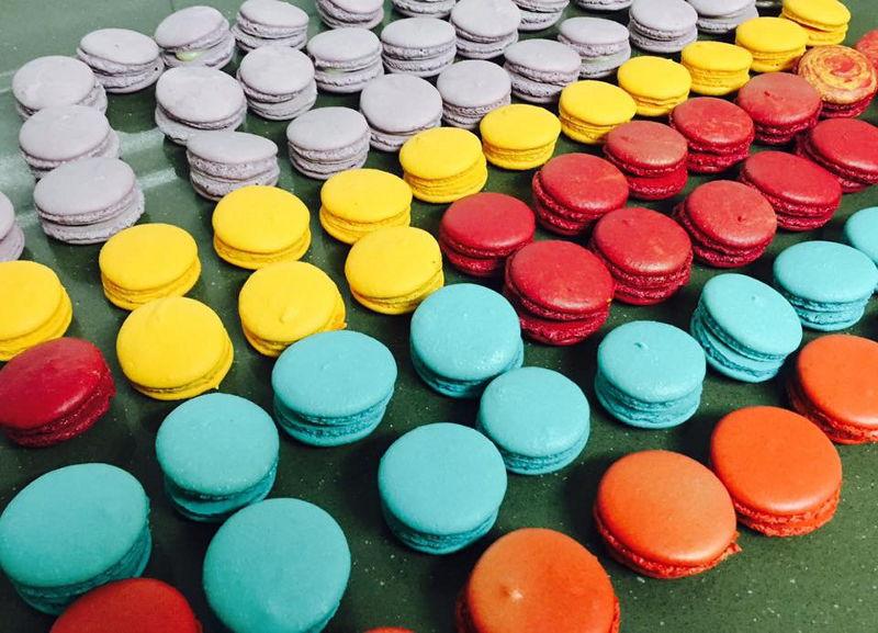 מקרונים צבעוניים