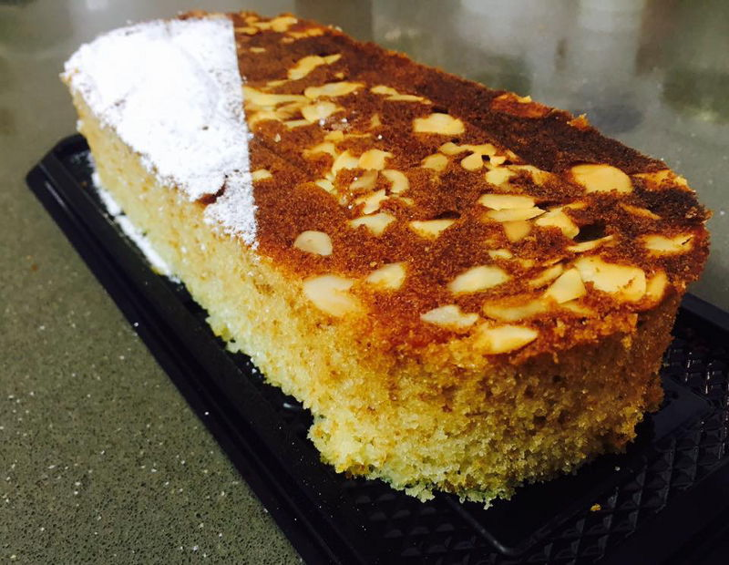 עוגה בחושה ושקדים