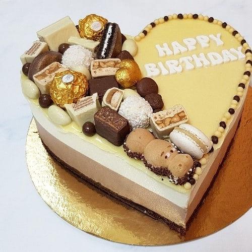 עוגת טריקולד לב וממתקים