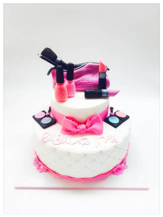 עוגה מבצק סוכר בעיצוב איפור ומותגים