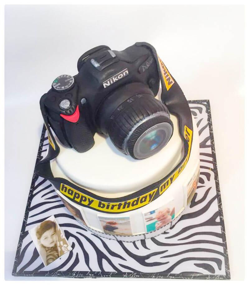 עוגה מבצק סוכר בצורת מצלמה