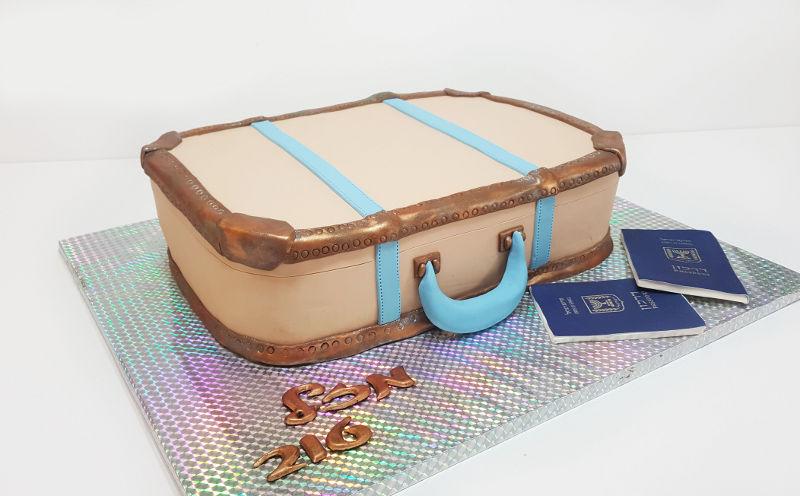 עוגת מזל טוב לנסיעה