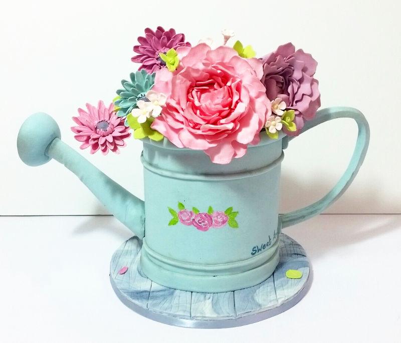 עוגה מיוחדת עם פרחים מבצק סוכר