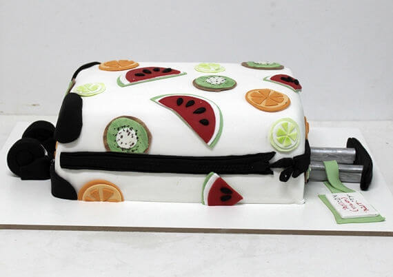 עוגה מיוחדת שמעוצבת כמזוודה