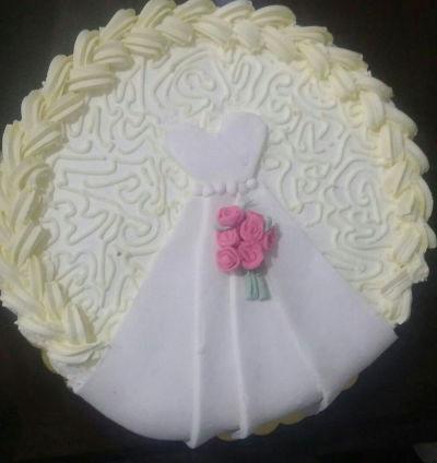 עוגה למסיבת רווקות שמלת כלה