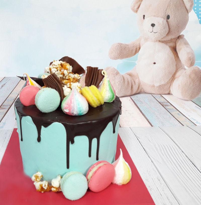 עוגת מעוצבת דריפ לברית