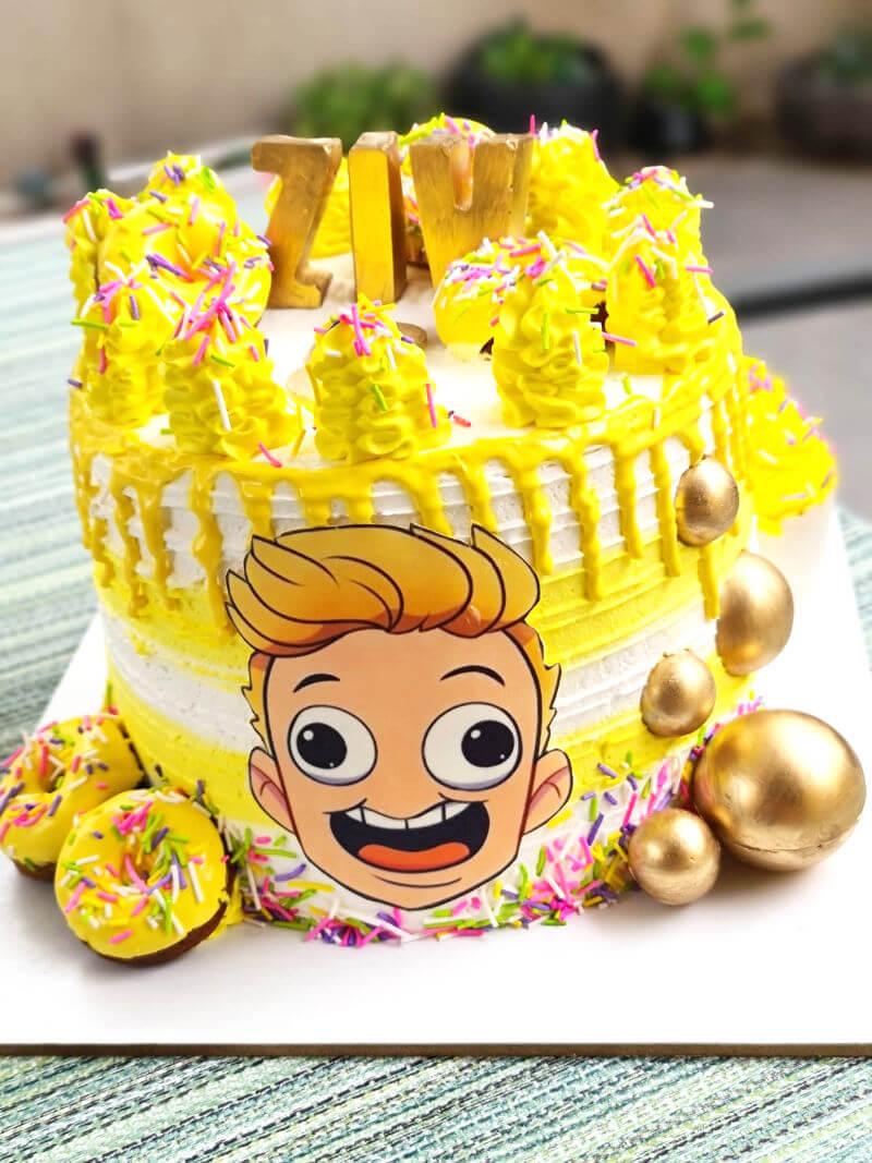 עוגה מעוצבת יום הולדת לבן