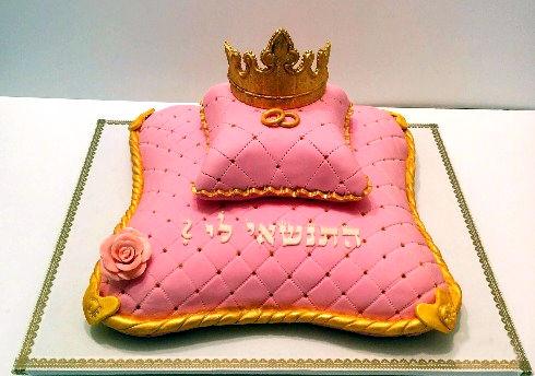 עוגה מעוצבת לחתונה מבצק סוכר