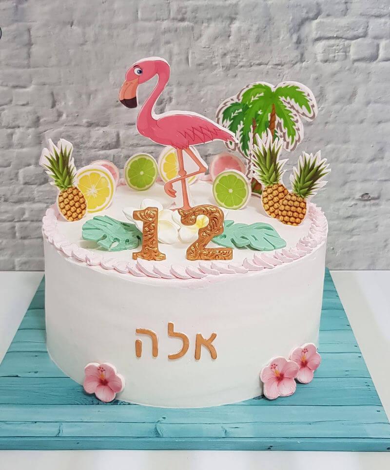 עוגה מעוצבת עם פלמינגו ואננס