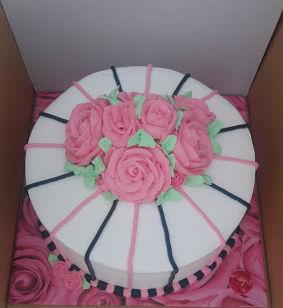 עוגת זילוף מעוצבת פרחים