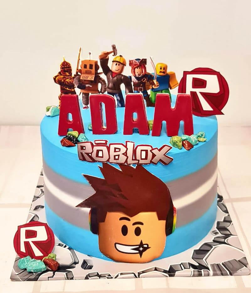עוגה מעוצבת רובלוקס