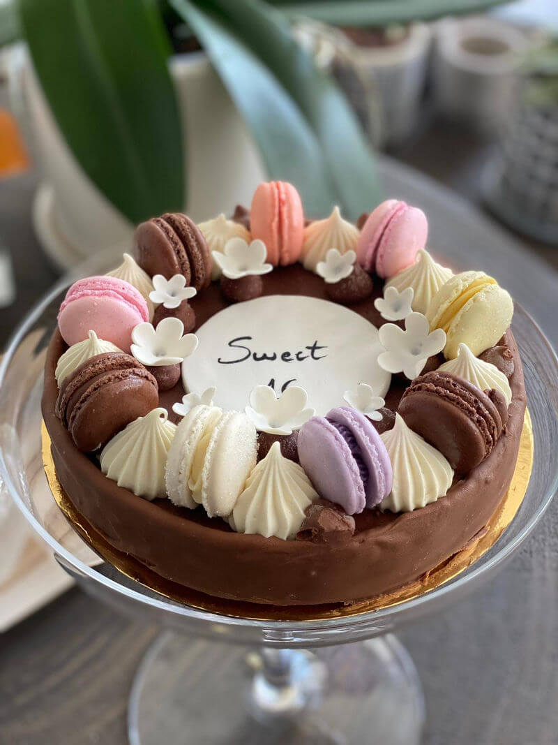 עוגה מעוצבת SWEET SIXTEEN 16