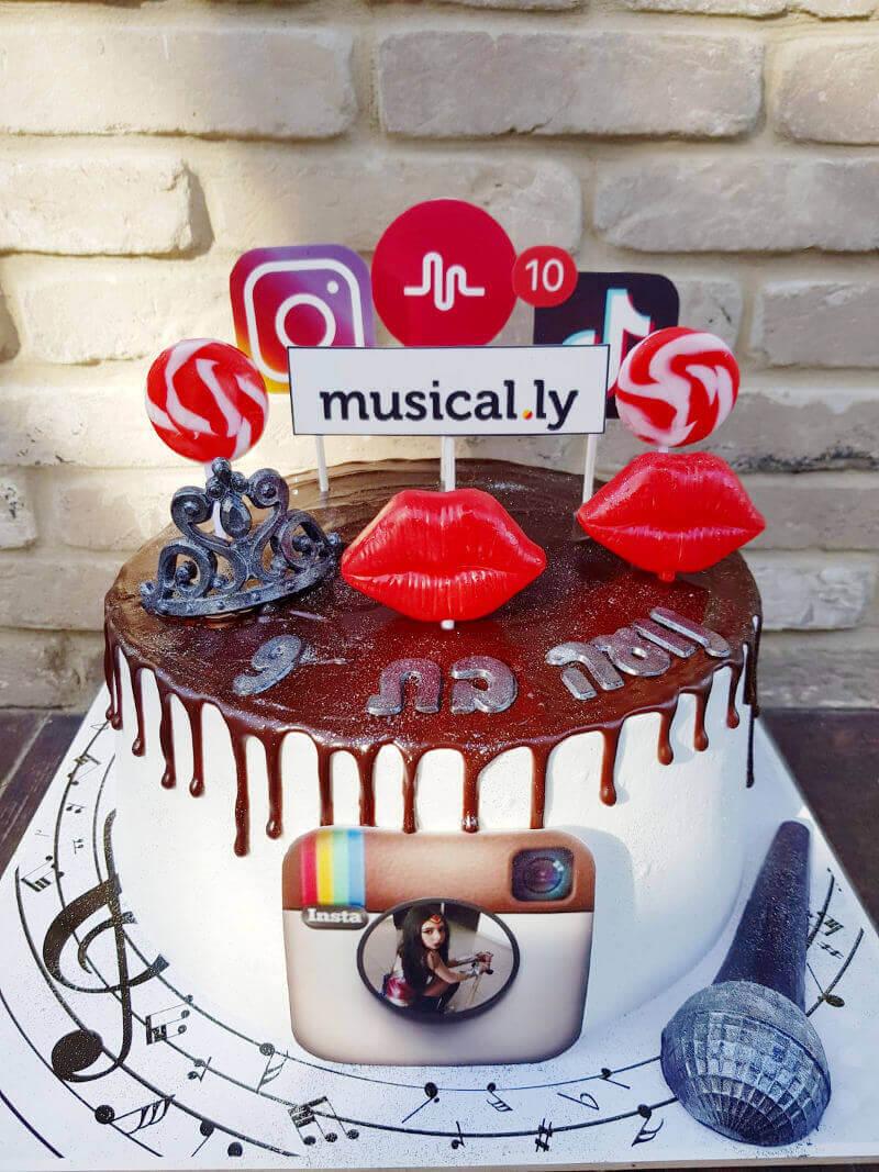עוגת סושיאל אינסטגרם ומיוזיקלי
