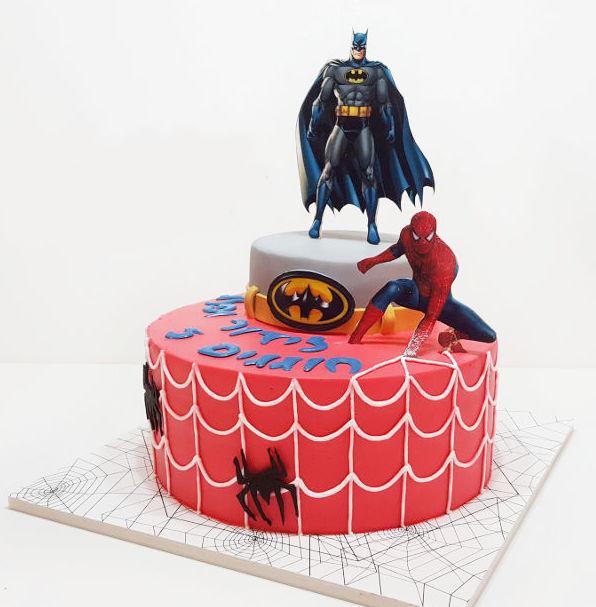 עוגת ספיידרמן ובאטמן