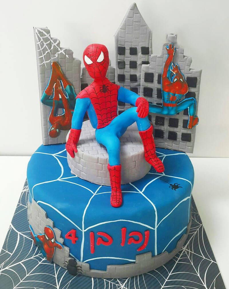 עוגת ספיידרמן מבצק סוכר