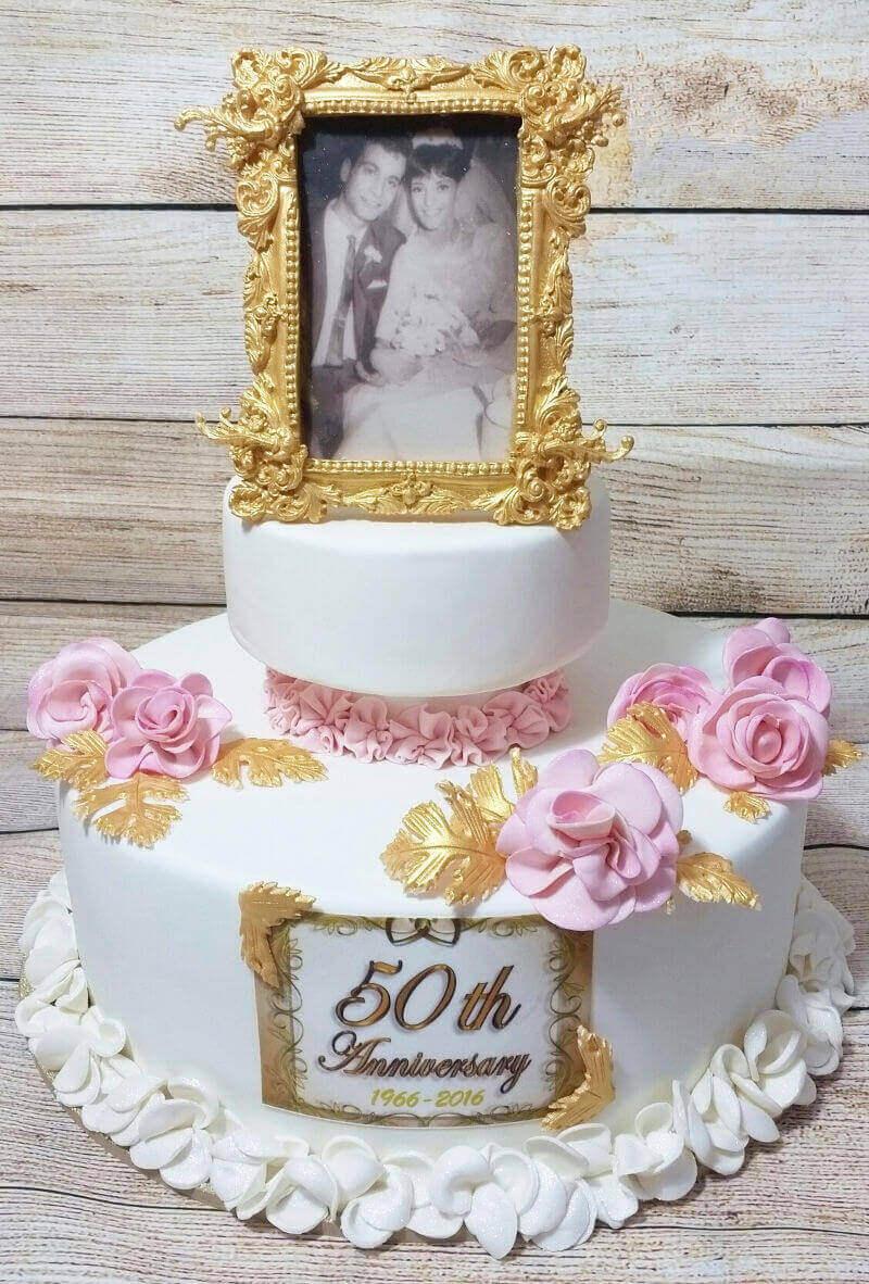 עוגה מעוצבת עם תמונה ליום נישואין