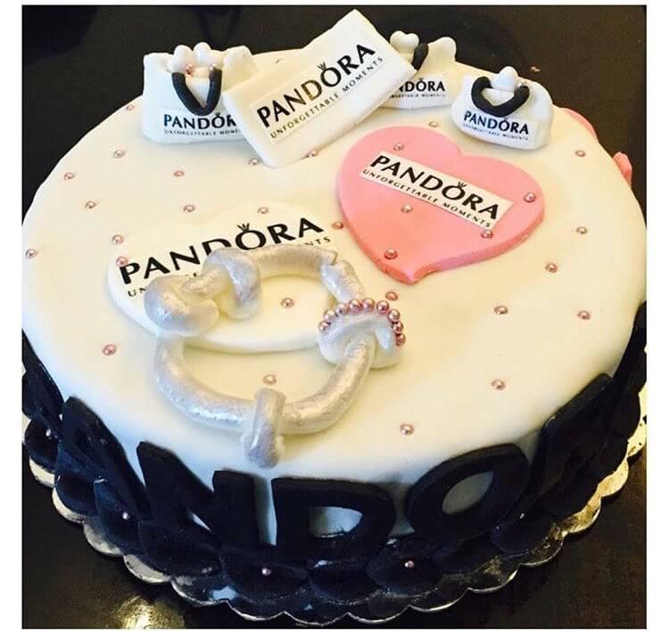עוגת פנדורה לנשים