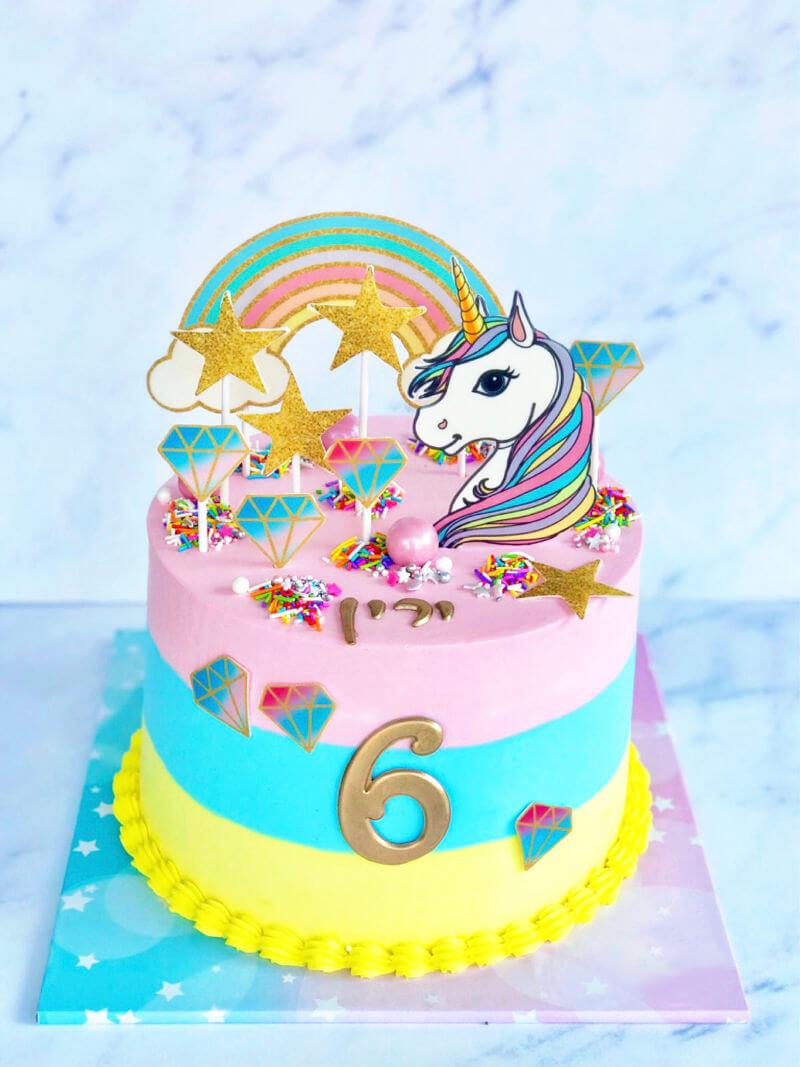 עוגה של חד קרן וקשת בענן