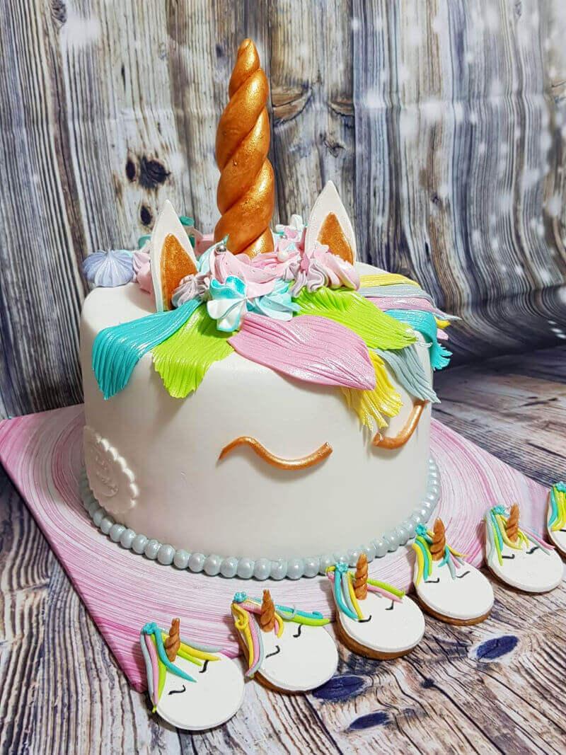 עוגה של חד קרן מבצק סוכר
