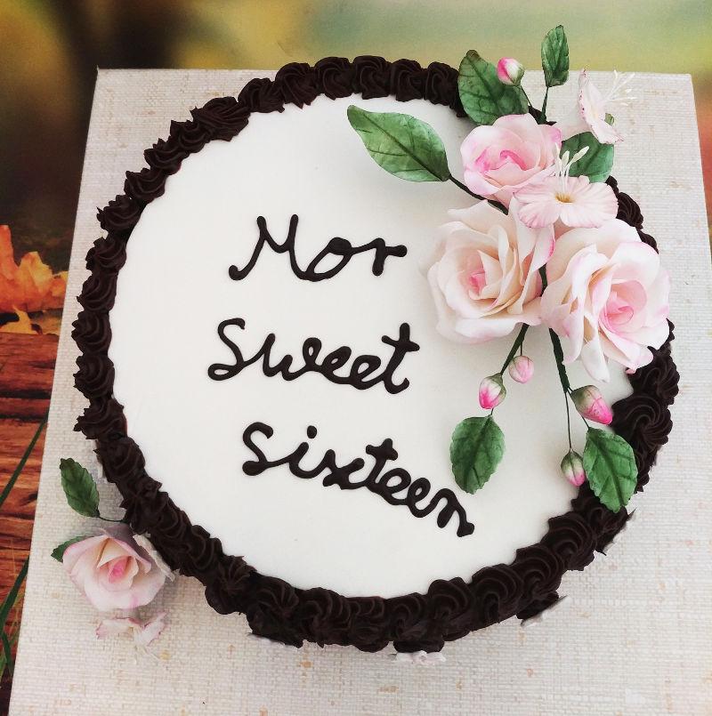 עוגת יום הולדת sweet sixteen