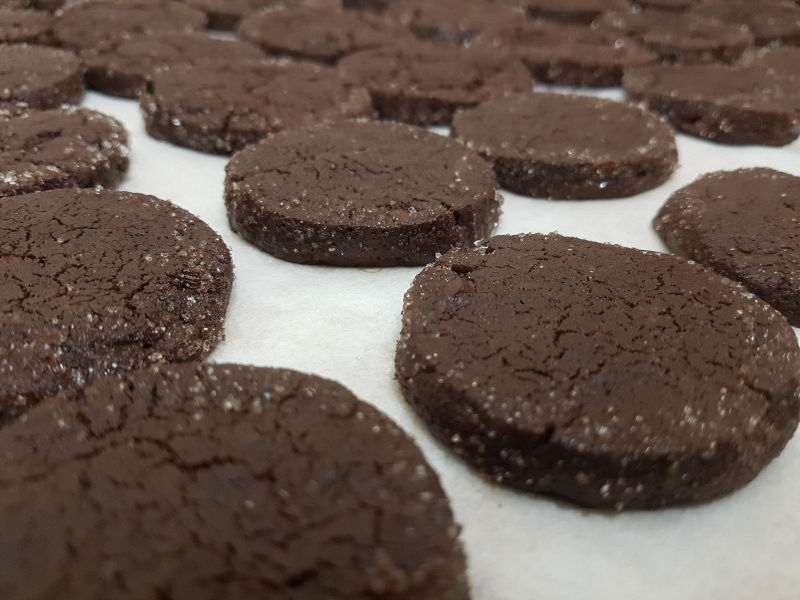 עוגיות קקאו פריכות