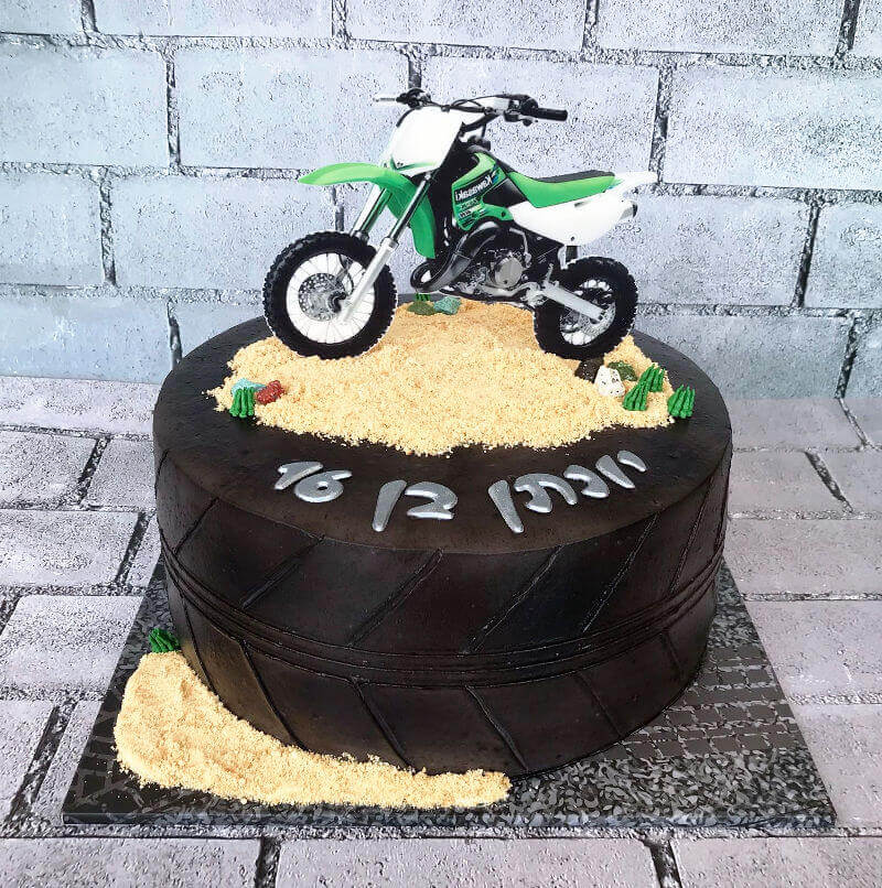 עוגת אופנוע מעוצבת