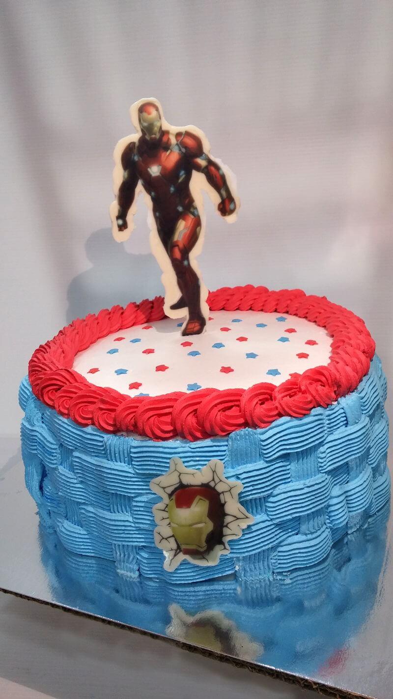 עוגת יום הולדת איירון מן
