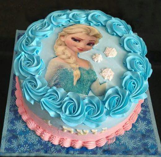 עוגת אלזה ליום הולדת