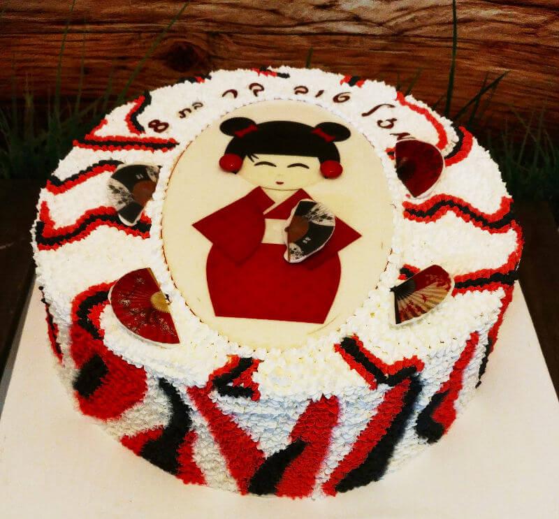 עוגת זילוף מיוחדת לבנות