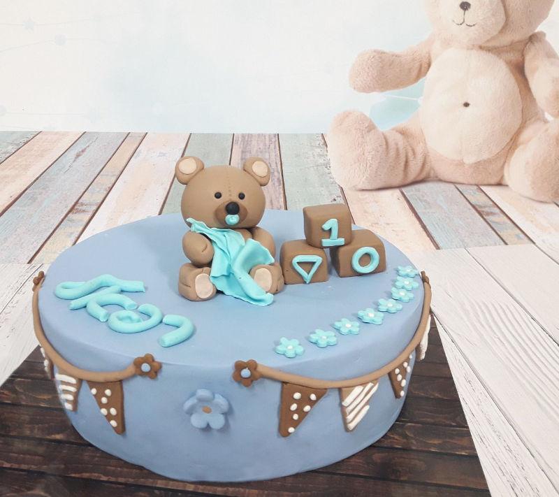 עוגת בצק סוכר לגיל שנה