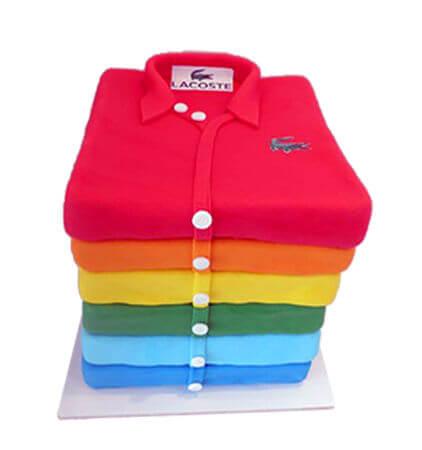עוגת בצק סוכר מיוחדת בעיצוב חולצת פולו
