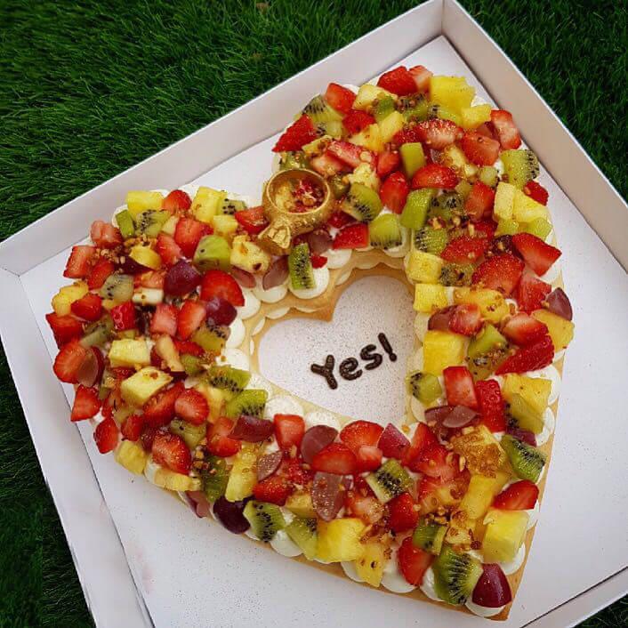 עוגת בצק פריך ופירות לחתונה