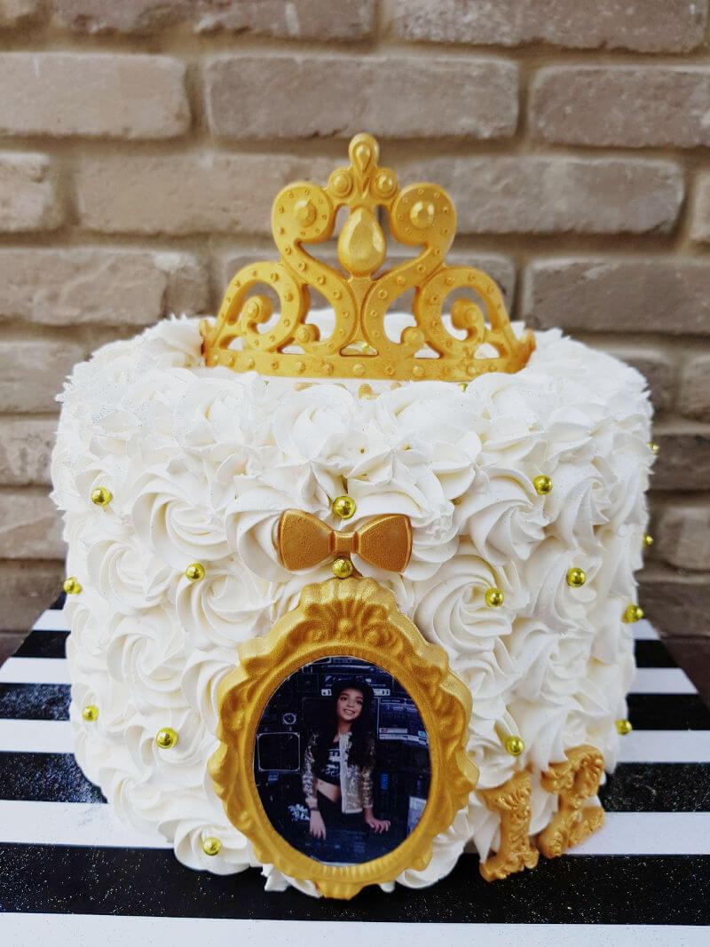 עוגת זילוף לבת מצווה מעוצבת עם תמונה