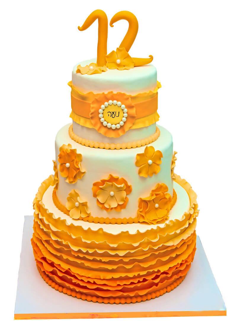 בת מצווה עוגת קומות עם פרחים בכתום