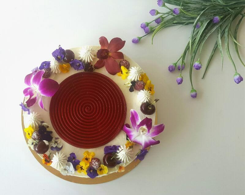 עוגת מוס גבינה ופרחים לשבועות