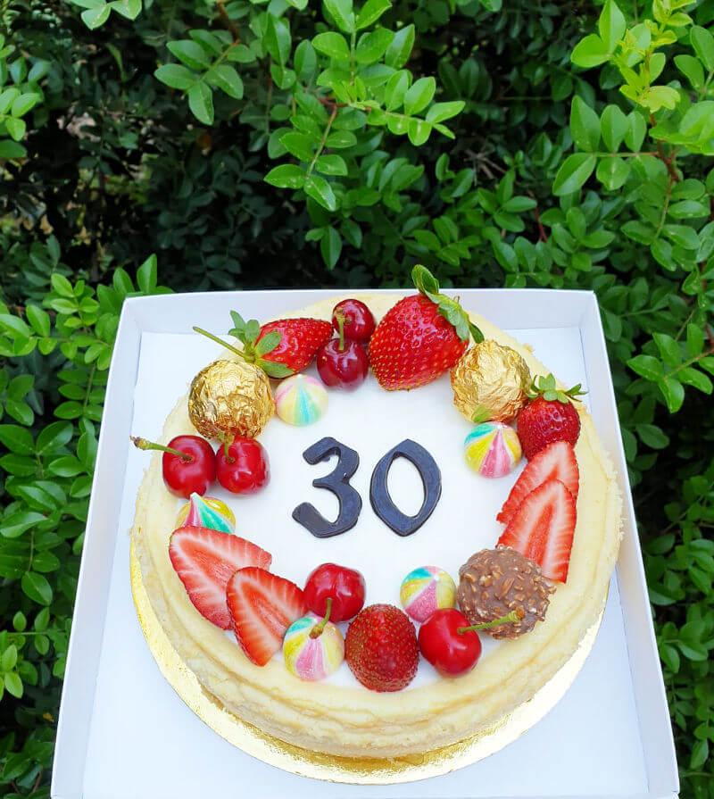 עוגת גבינה ליום הולדת 30